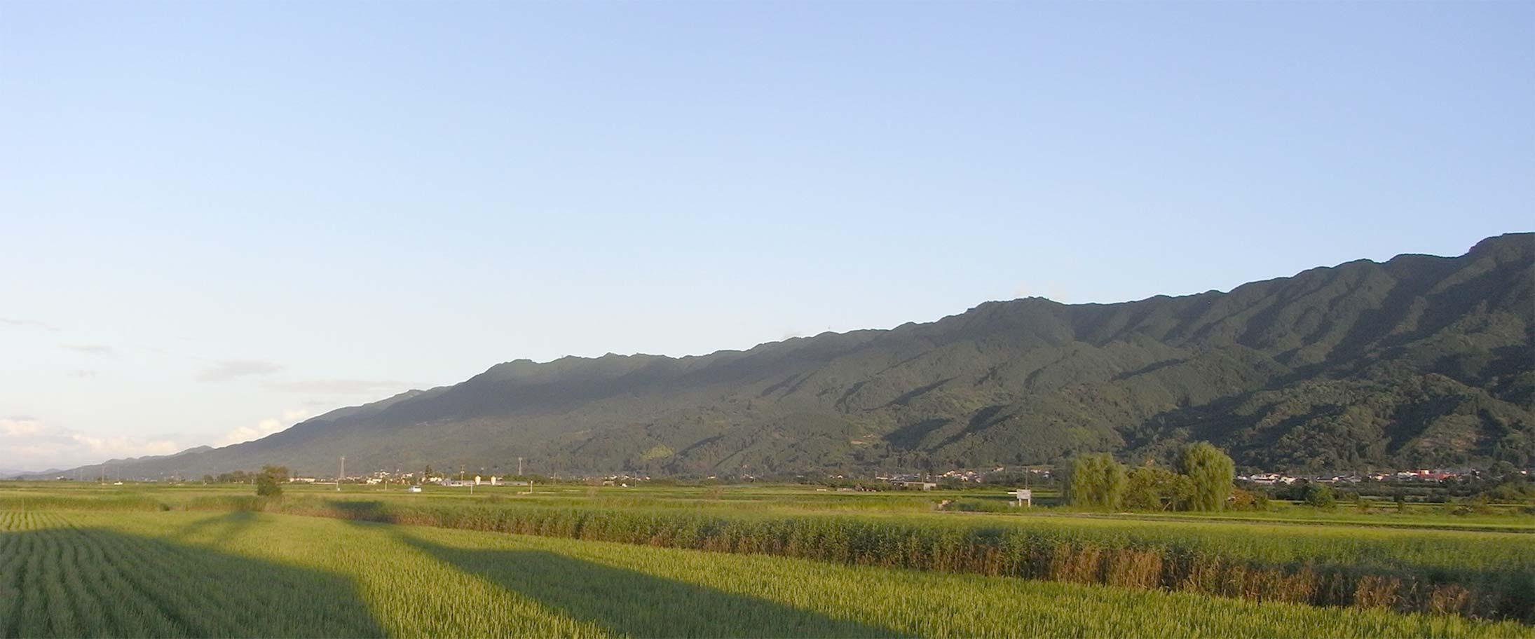 ヒュッゲやまもと 耳納連山を望む