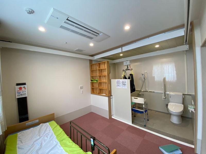 101号室-寝室兼浴室