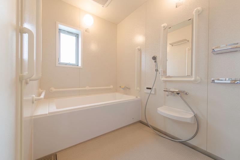 102号室-浴室