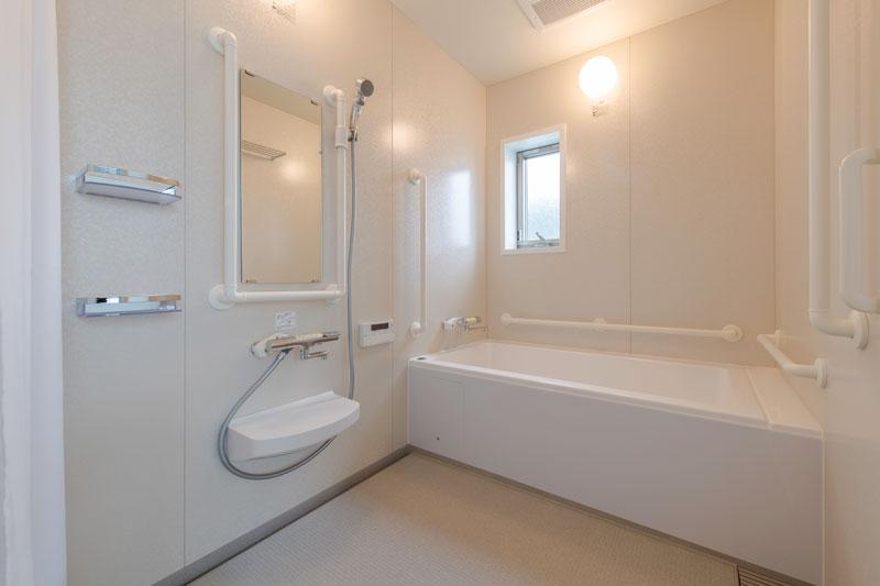203号室-浴室
