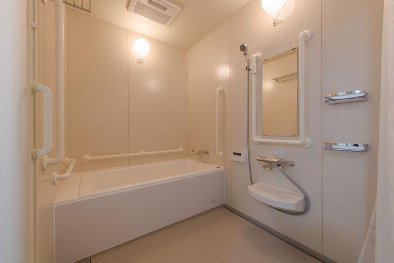 205号室-浴室